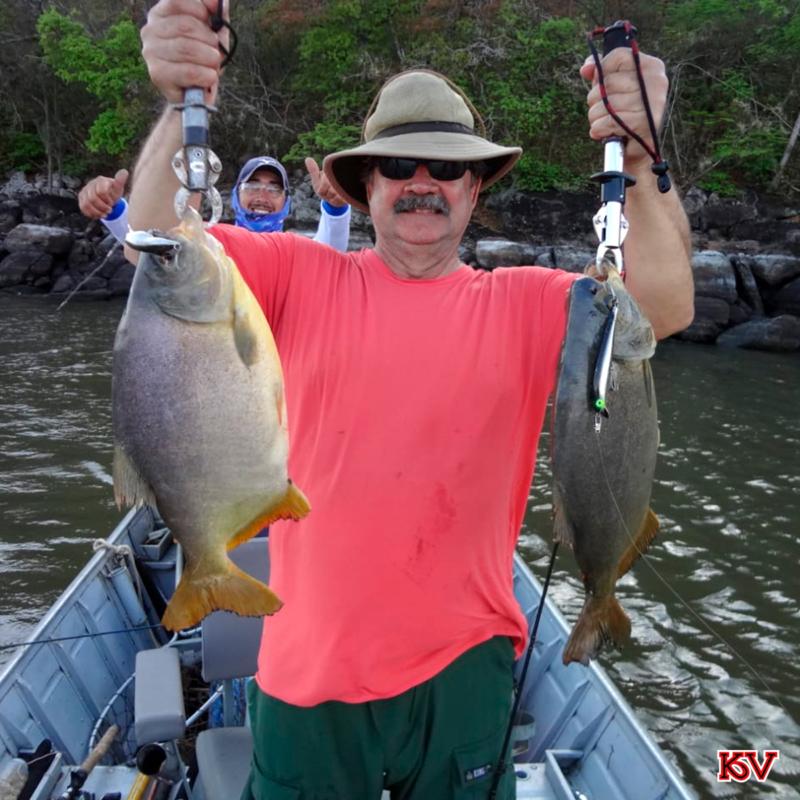 Ezequiel pescou dois Pacús com as iscas Cubio e Guarú Float.