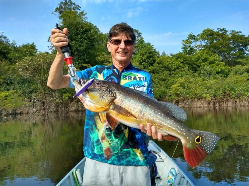 Dorival da Kv pegou esse Tucunaré Paca no rio Jatapu (Amazônia), usando a isca Dr. Spock.
